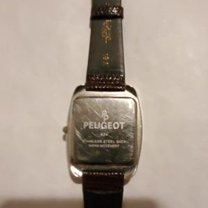 Peugeot Accessories - Peugeot Watch